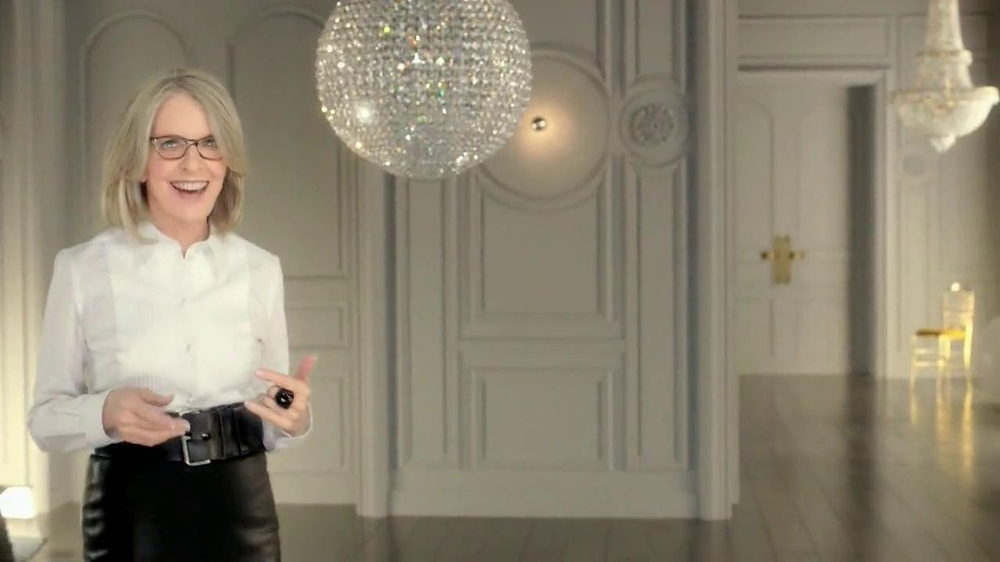 L'Oreal Paris Age Perfect Glow Renewal TV Spot Featuring Diane Keaton - Screenshot 2