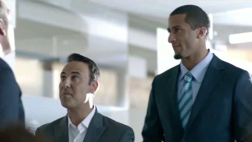 SK Energy TV Spot Con Colin Kaepernick [Spanish] - Screenshot 3