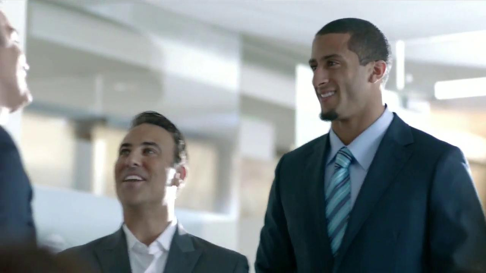 SK Energy TV Spot Con Colin Kaepernick [Spanish] - Screenshot 4