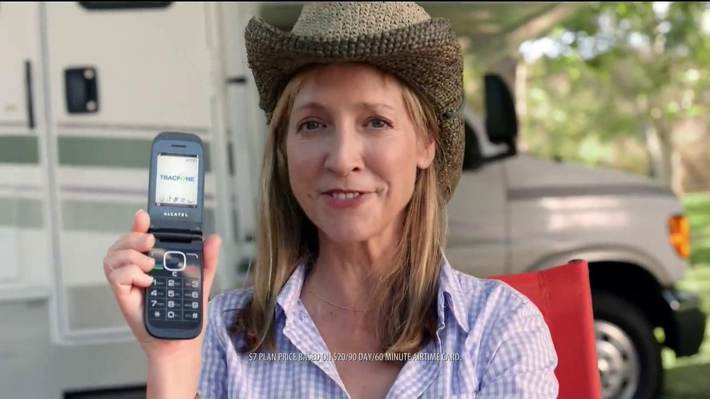 TracFone Big Easy Flip TV Spot - Screenshot 1