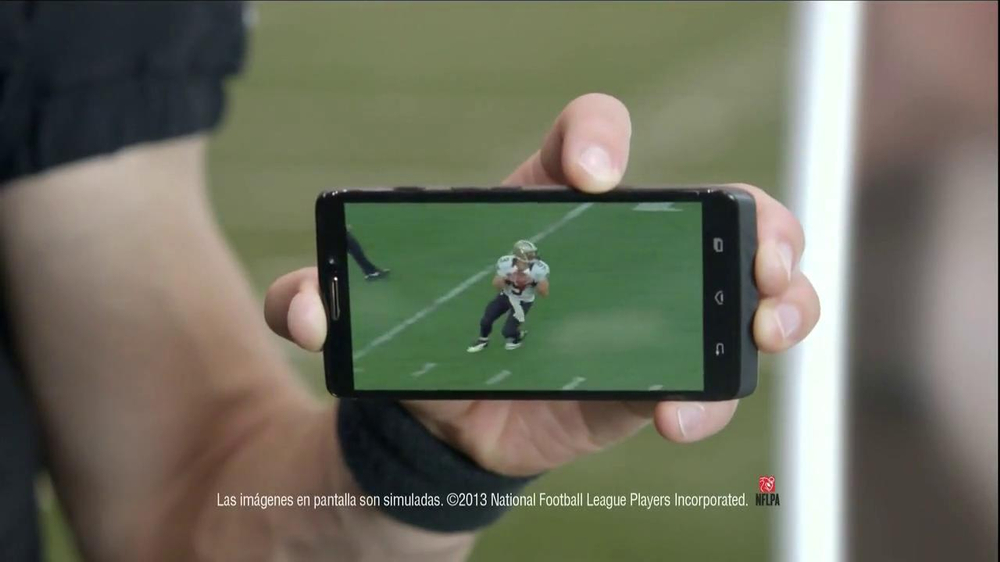 Verizon NFL Mobile TV Spot, 'Baby Shower' [Spanish] - Screenshot 9