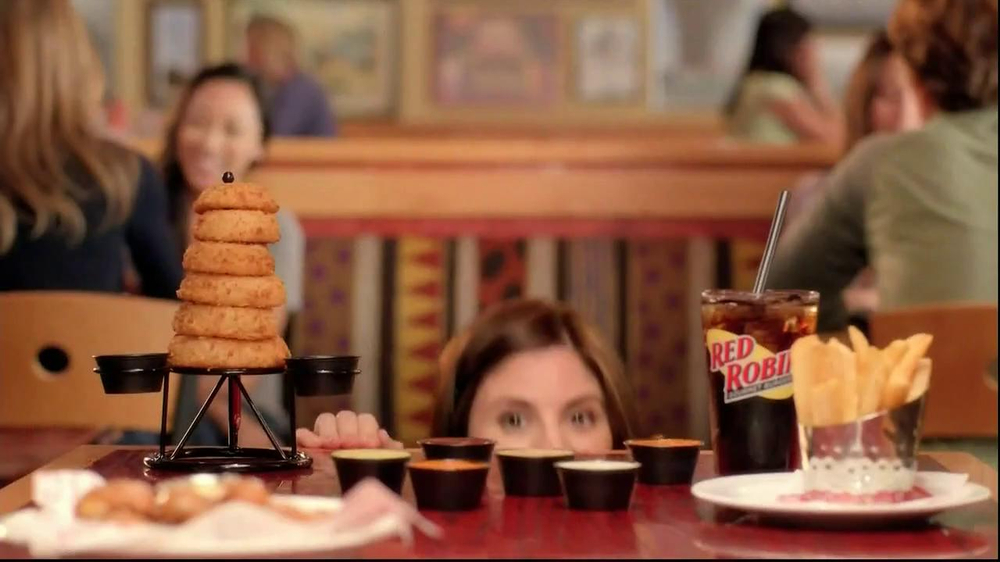 Red Robin Dipping Sauces TV Spot, 'Not Made with Real Buzzards' - Screenshot 1