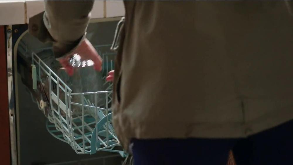 Milk-Bone TV Spot, 'Ready, Set, Go' - Screenshot 2
