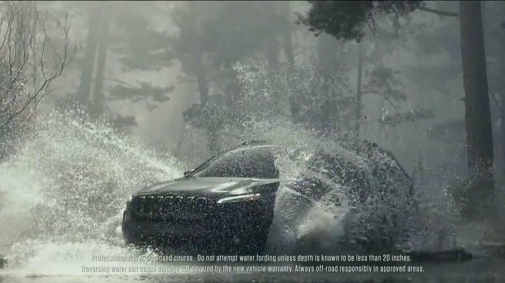 2014 Jeep Cherokee TV Spot, 'Built Free' - Screenshot 10
