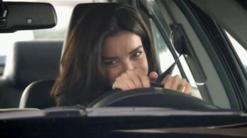2014 Toyota Camry TV Spot, 'Maneja en Voz Alta' [Spanish] - Thumbnail 8