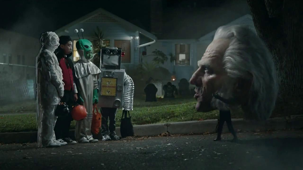 Snickers TV Spot, 'Horseless Headsman'