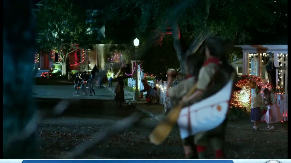 Verizon TV Spot, 'Star Wars Halloween' - Screenshot 1