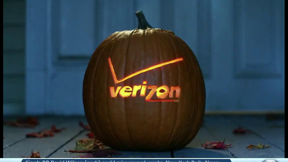 Verizon TV Spot, 'Star Wars Halloween' - Screenshot 10