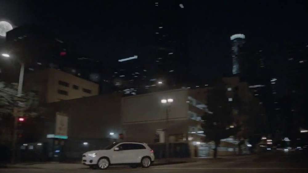 2014 Mitsubishi Outlander Sport TV Spot, 'New Beauty' Song Bobby Caldwell - Screenshot 4