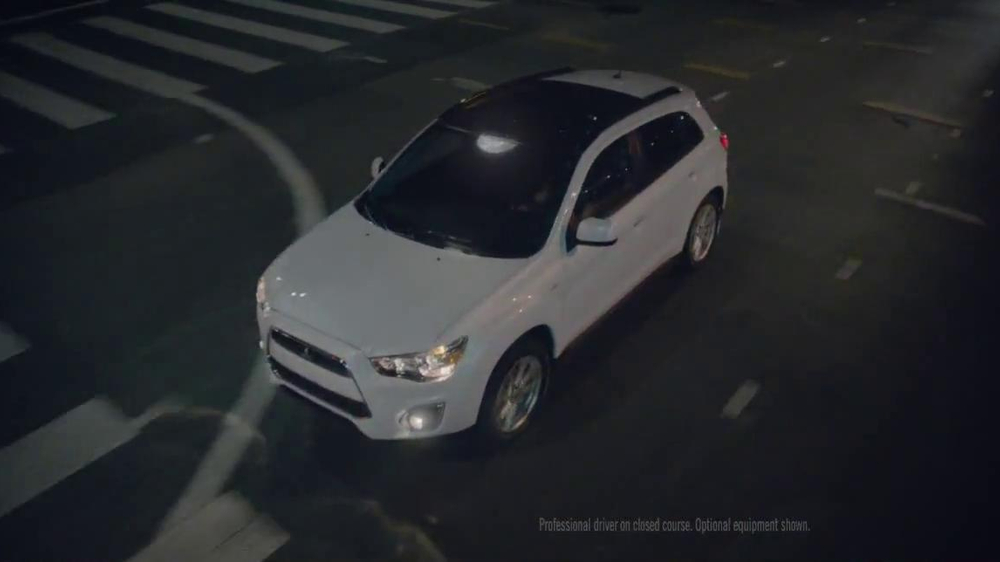 2014 Mitsubishi Outlander Sport TV Spot, 'New Beauty' Song Bobby Caldwell - Screenshot 5