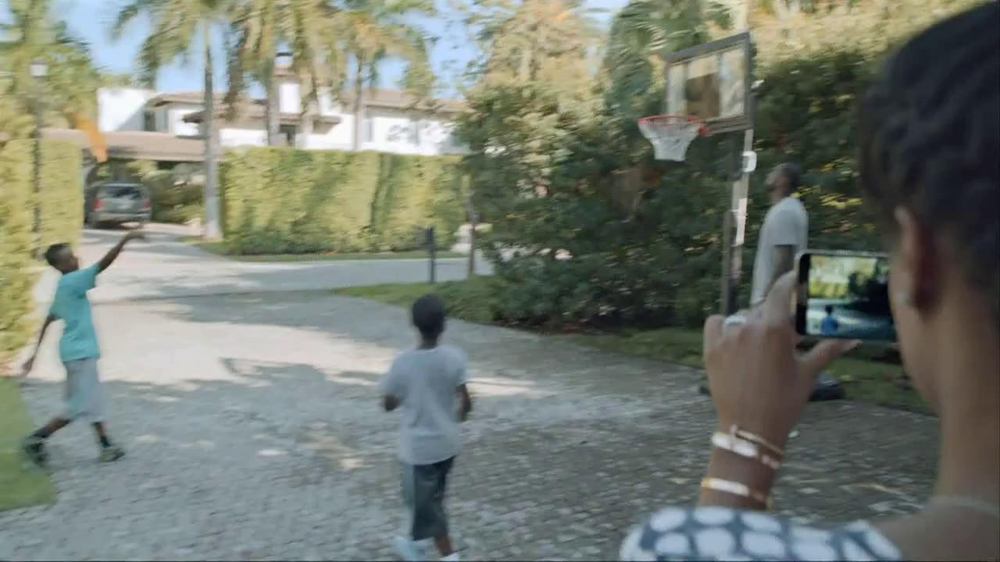 Samsung Galaxy TV Spot, 'At Home' Featuring LeBron James - Screenshot 5