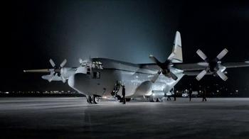 2014 GMC Sierra TV Spot, 'Cargo Planes'