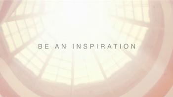 Estee Lauder Modern Muse TV Spot, 'Be an Inspiration' Song by Bruno Mars - Thumbnail 7