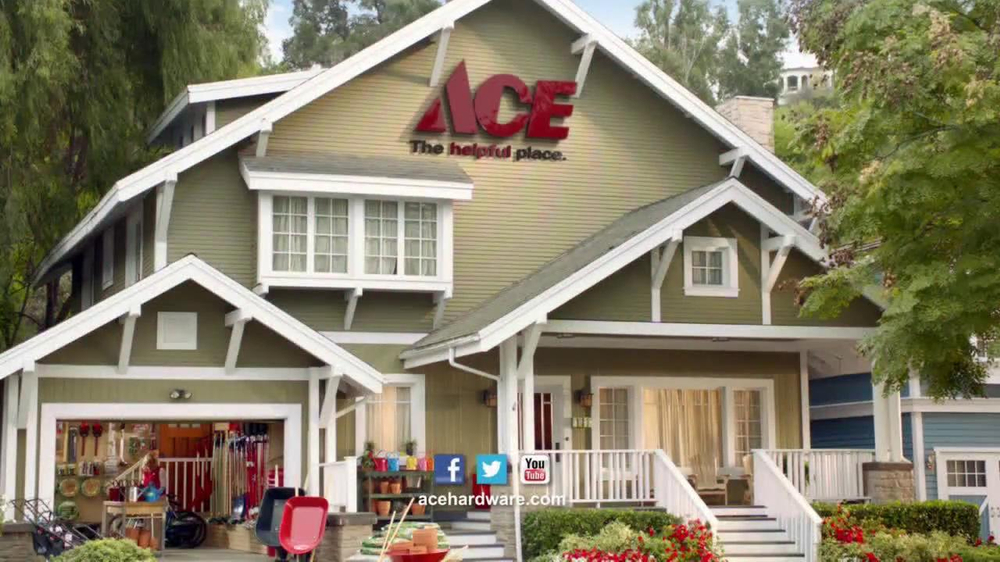 ACE Hardware TV Spot, 'Bird Food and Air Filters' - Screenshot 7