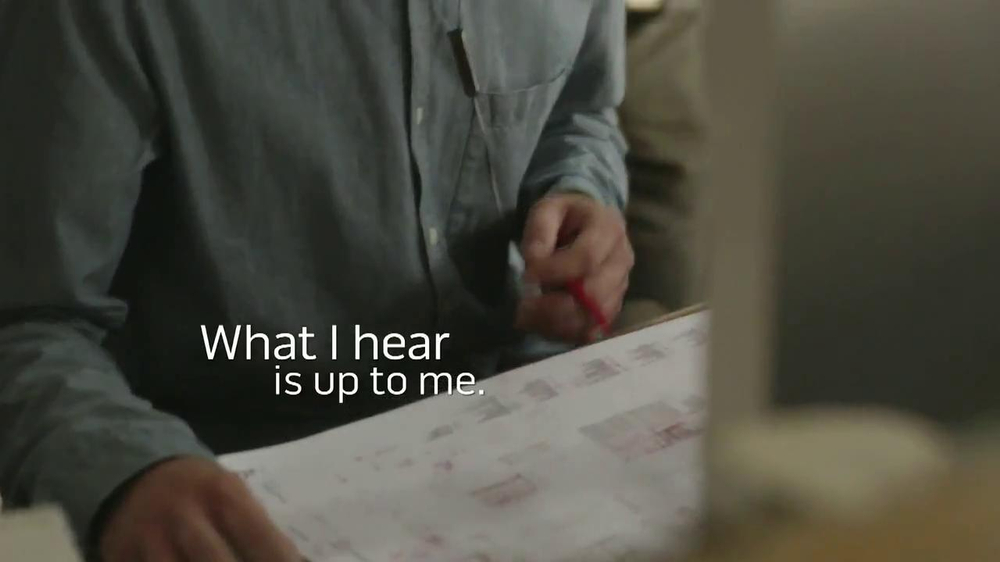Bose QuietComfort 20 TV Spot, Song by Leagues - Screenshot 6