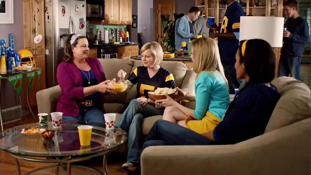 Velveeta and Ro-Tel Cheese Dip TV Spot, 'Queso For All' thumbnail