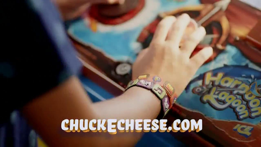 Chuck E. Cheese's Wristbands TV Spot, 'Free Birds' - Screenshot 8
