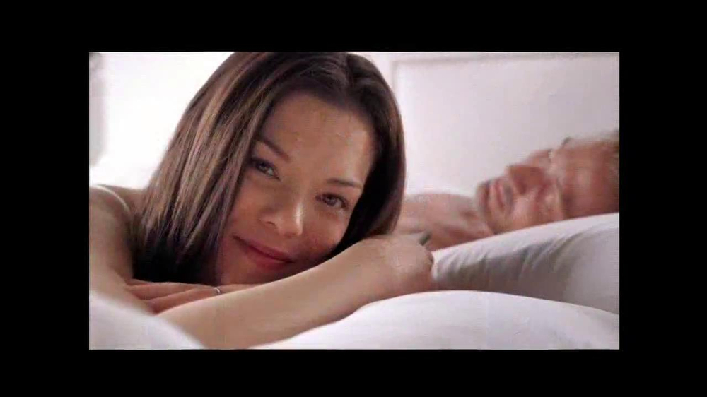 Sleep Number Dual Temp TV Spot, 'Too Hot or Too Cool' - Screenshot 9