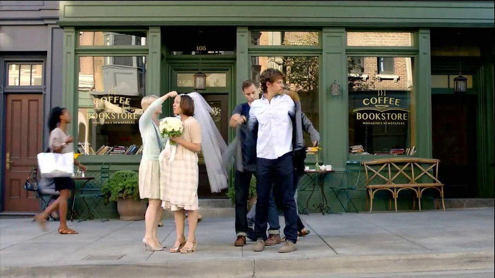 TD Ameritrade TV Spot, 'Wedding' - Screenshot 2