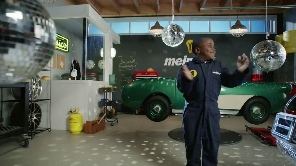 Meineke TV Spot, 'Break Dancing' Featuring Robby Novak - Screenshot 5