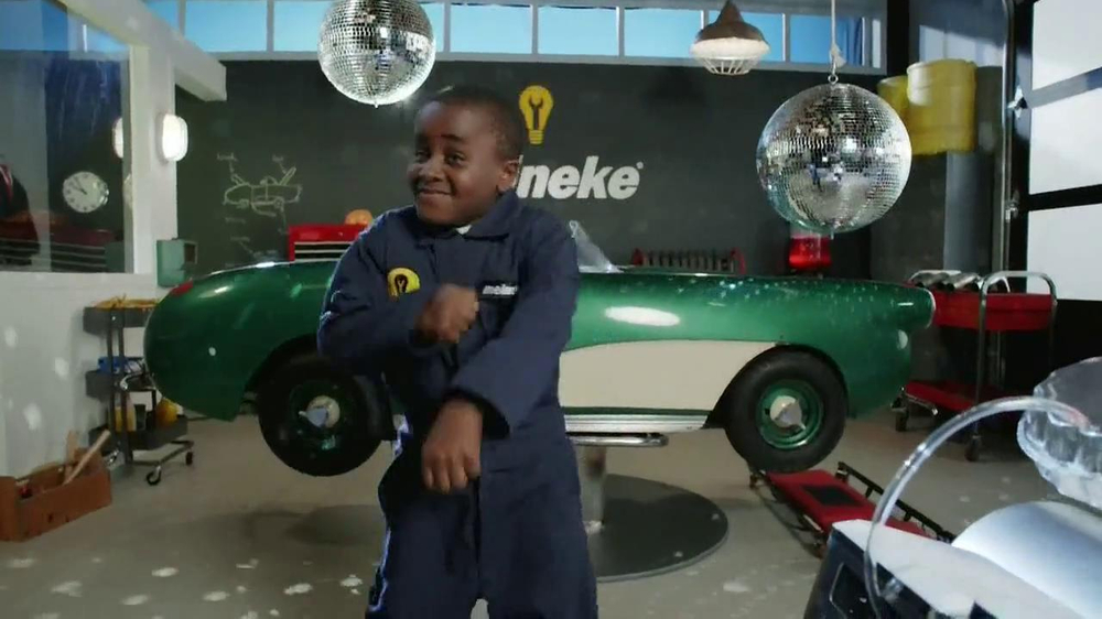 Meineke TV Spot, 'Break Dancing' Featuring Robby Novak - Screenshot 6