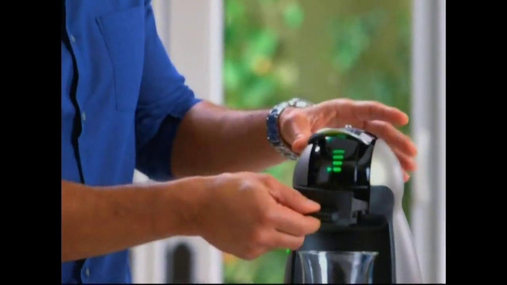 Nescafe Dolce Gusto TV Spot Featuring Mario Lopez - Screenshot 4