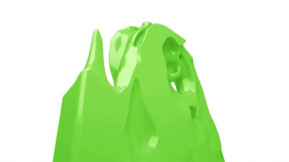 Apple iPhone 5C TV Spot, 'Plastic Perfected' Song by Sleigh Bells - Screenshot 5