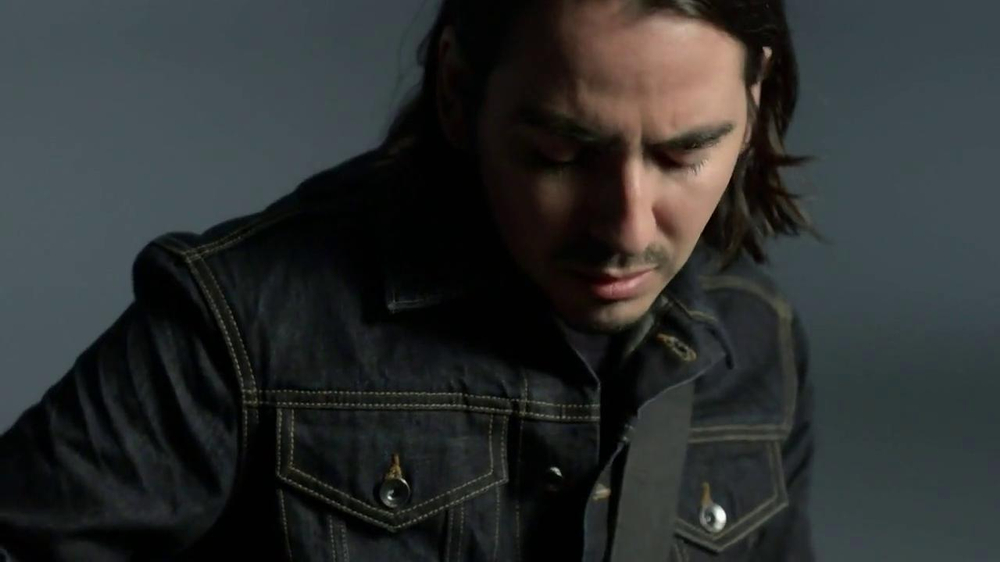 Gap TV Spot, 'Back To Blue' Featuring Dhani Harrison - Screenshot 5