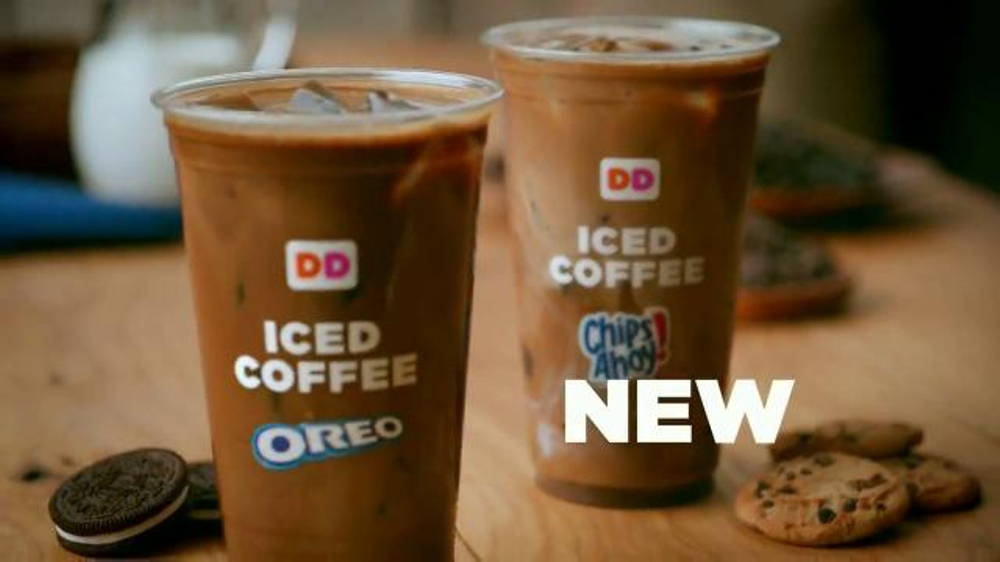 Dunkin' Donuts Oreo and Chips Ahoy! Iced Coffees TV Spot, 'Hula Hoop' thumbnail