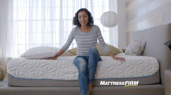 Mattress Firm TV Spot, 'Cuddles'