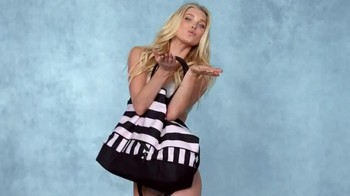 Victoria's Secret Getaway Bag TV Spot, 'Summer's Must Have Bag'