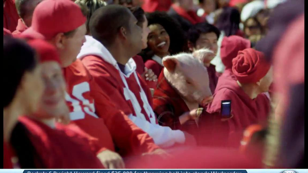 Geico App TV Spot, 'Pig in a Blanket' - Screenshot 10