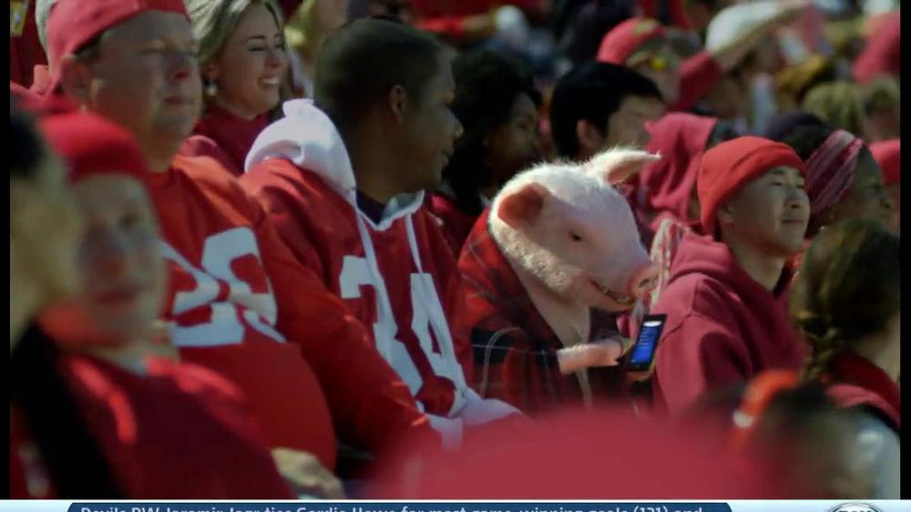 Geico App TV Spot, 'Pig in a Blanket' - Screenshot 3