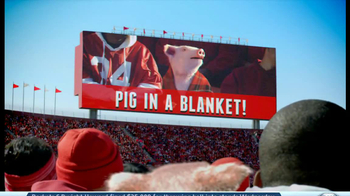 Geico App TV Spot, 'Pig in a Blanket' - Thumbnail 9