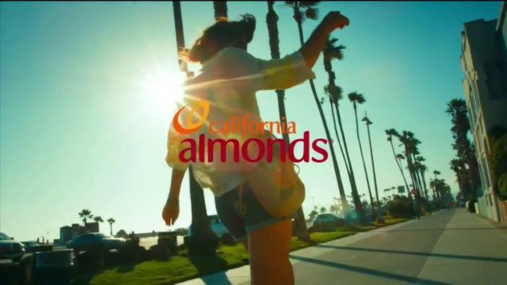 California Almonds TV Spot, 'Crunch On' - Screenshot 8