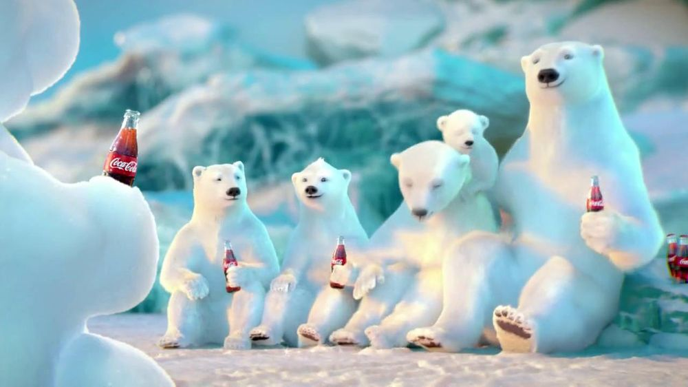 Coca-Cola 2014 Holiday TV Spot, 'Snow Polar Bear' - Screenshot 10