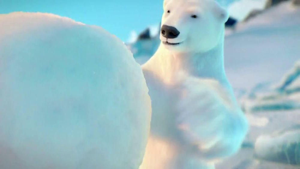 Coca-Cola 2014 Holiday TV Spot, 'Snow Polar Bear' - Screenshot 3