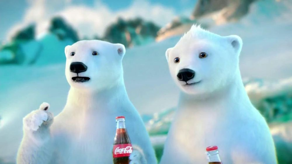 Coca-Cola 2014 Holiday TV Spot, 'Snow Polar Bear' - Screenshot 4