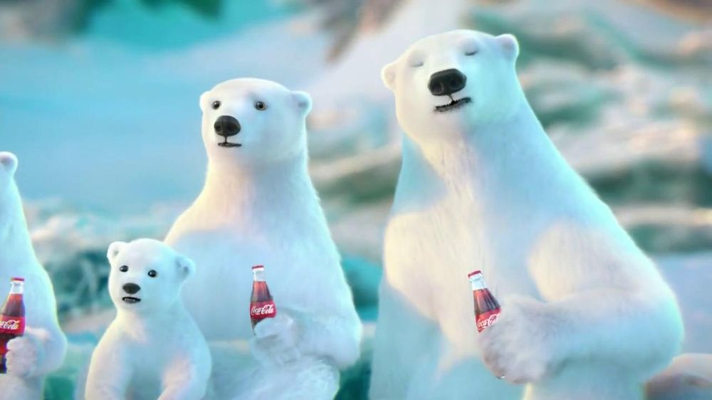 Coca-Cola 2014 Holiday TV Spot, 'Snow Polar Bear' - Screenshot 5