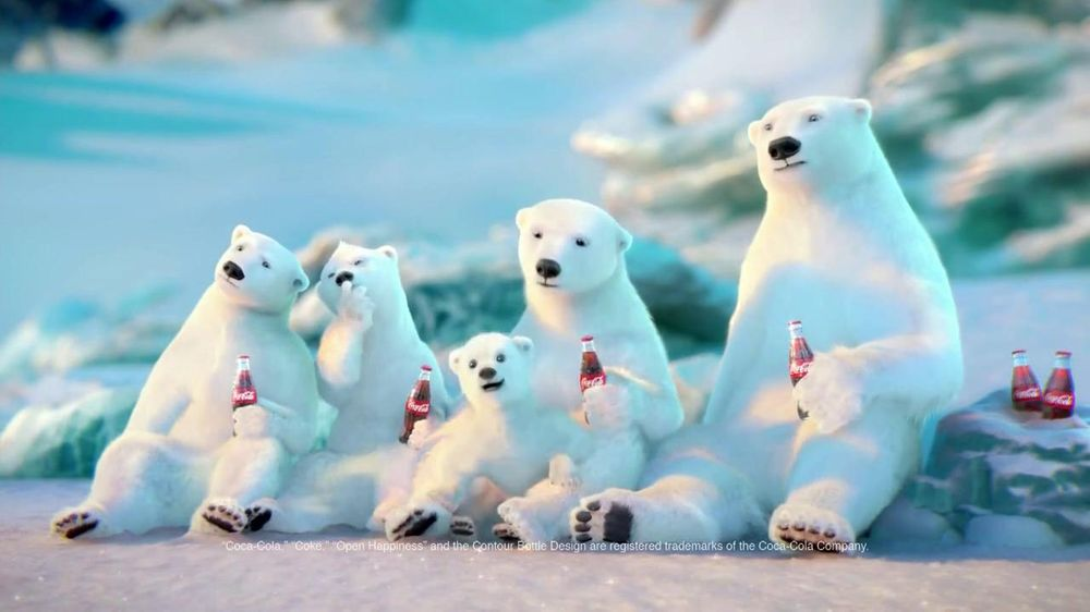 Coca-Cola 2014 Holiday TV Spot, 'Snow Polar Bear' - Screenshot 6