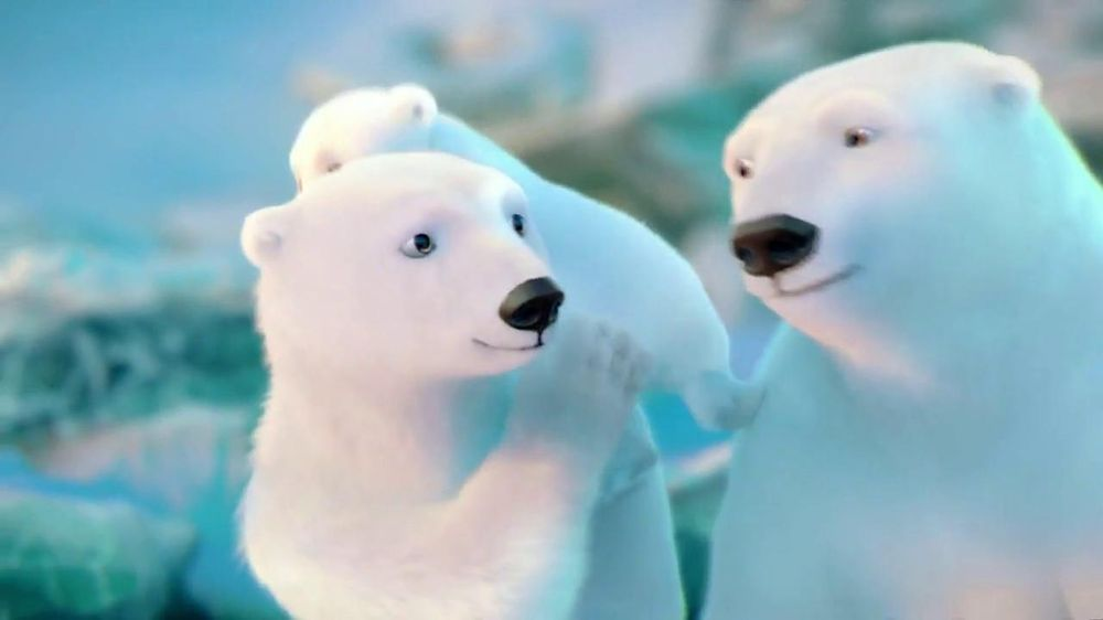 Coca-Cola 2014 Holiday TV Spot, 'Snow Polar Bear' - Screenshot 8