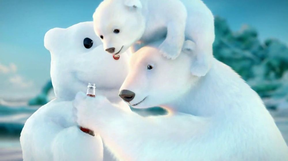 Coca-Cola 2014 Holiday TV Spot, 'Snow Polar Bear' - Screenshot 9