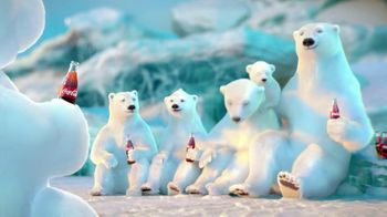 Coca Cola 2014 Holiday TV Spot, 'Snow Polar Bear' - Thumbnail 10