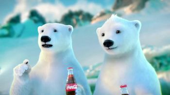 Coca-Cola 2014 Holiday TV Spot, 'Snow Polar Bear' - Thumbnail 4