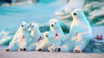 Coca Cola 2014 Holiday TV Spot, 'Snow Polar Bear' - Thumbnail 6