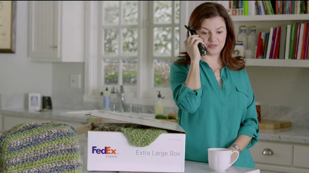 FedEx One Rate TV Spot, 'Cozies' - Screenshot 8