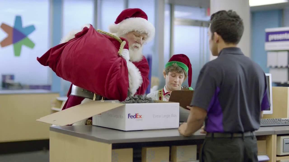 FedEx One Rate TV Spot, 'Santa' - Screenshot 1