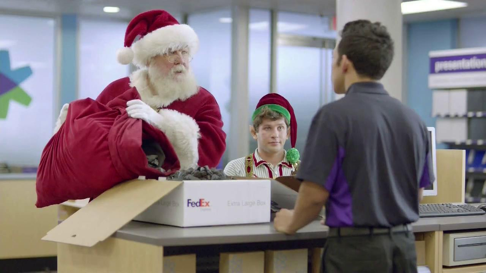 FedEx One Rate TV Spot, 'Santa' - Screenshot 4