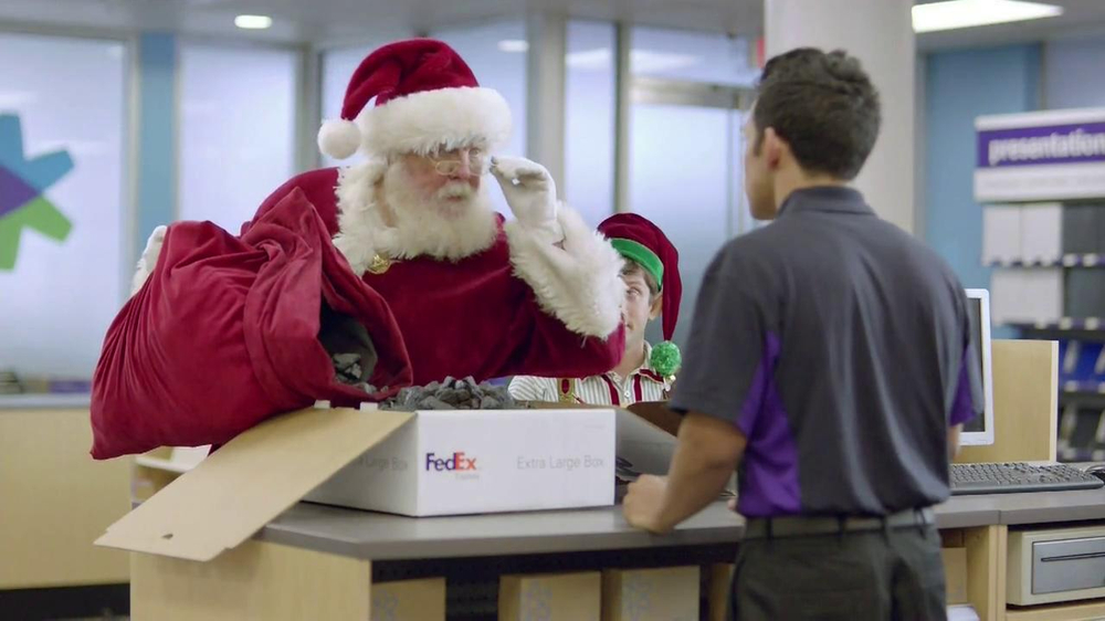 FedEx One Rate TV Spot, 'Santa' - Screenshot 5