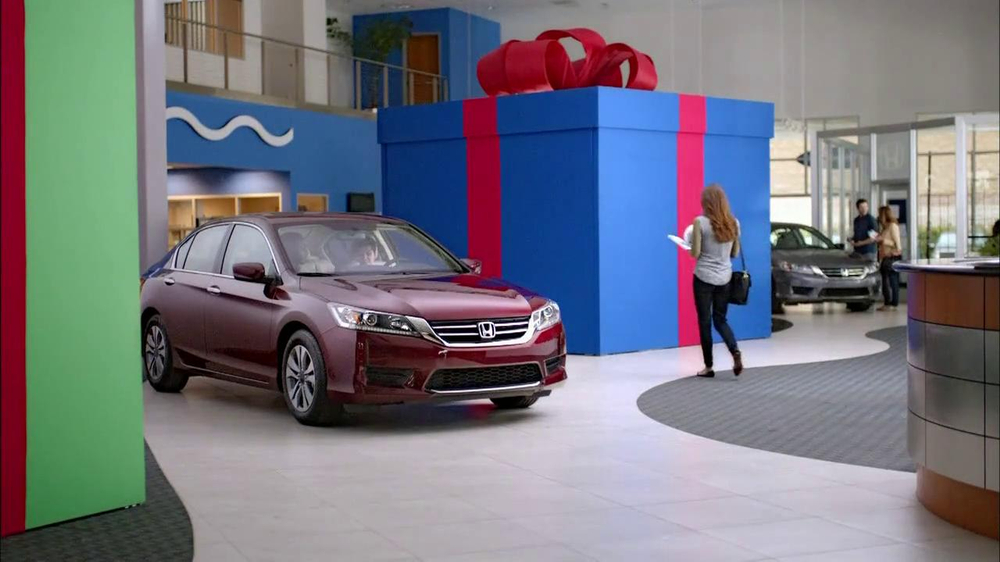 Honda Happy Honda Days: Accord TV Spot, 'Cue the Bolton' Ft. Michael Bolton - Screenshot 2